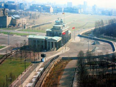 Muro_de_Berlim,_porta_de_Brandenburgo