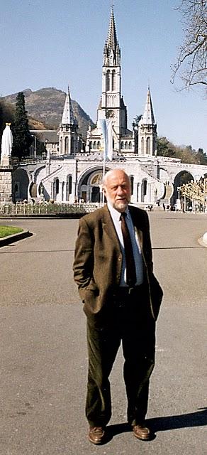 Dr Patrick Theillier, esplanade
