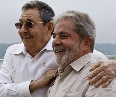 Lula e Raúl Castro abraçados, Havana Foto Ricardo Stuckert PR1