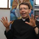 Padre Luiz Carlos Lodi da Cruz , Presidente do Pró-vida de Anápolis.