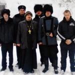 Religioso ortodoxo com insurgentes pró-Rússia