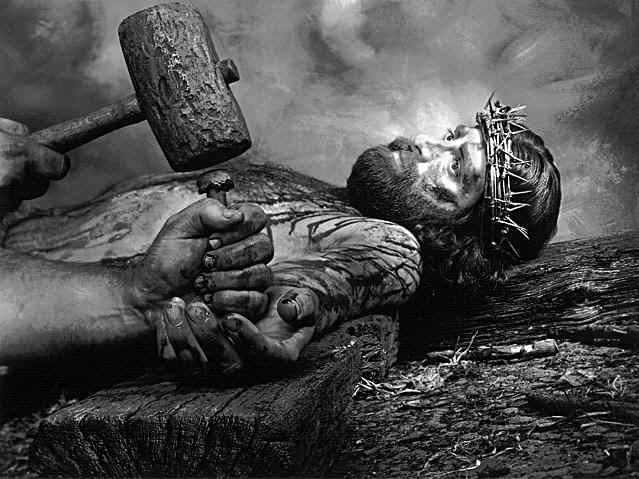 Cada blasfêmia é um cravo à mais em Nosso Senhor.